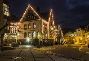 die Bilder zeigen Nachtaufnahmen aus dem Westerwald